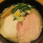 テラ - にごり鶏塩(820円)