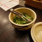 カムオーン - 食べ放題のパクチー