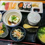 海扇寿司 - 料理写真:「寿しランチ」(1,620円)。女子受けも良さそうなランチです。