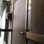 ランドーズ - 2階入り口のドア