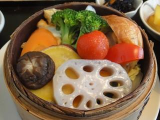 お気軽健康café あげは。 神戸トアロード店 - 色合い鮮やかな温野菜