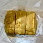 蜂楽饅頭 - 【蜂楽饅頭】できたてでなければリベイクするのがおすすめです。