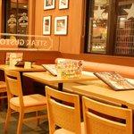 ステーキガスト - テーブル席