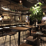 Sapporo Sweets Garden Mero's Bar - おしゃれでキレイな店内