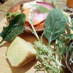 80404522 - 自家製野菜パン