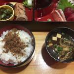華山 - ご飯と味噌汁