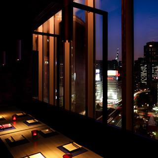 【新宿駅近!】夜景を楽しめる、小人数~団体様まで広々個室!!