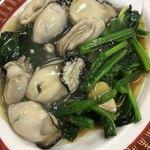 80421347 - ほうれん草と牡蠣の炒め物