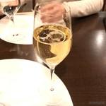 ヒロ ナゴヤ - シャンパン