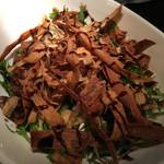 ラグシス - 揚げごぼうと水菜のポークジンジャーサラダ
