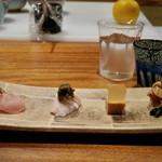 なかむら - 前菜 4種  天草大王熊本地鶏の胸肉刺身。天草大黄の酒蒸しとトルゼーラ。鳥手羽の煮こごり。胸肉のたたきの辛子和え