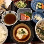 蕎麦酒家 辰味 - 天とろ定食 1180円。