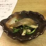 和洋酒菜 ひで - 付きだし(白魚、アサツキの芽、とんぶり和え)