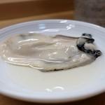 家庭料理 小川 - 大奈佐美島の生牡蠣