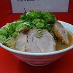ラーメン二郎  - ラーメン(ニンニク、九条ねぎ)