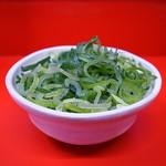 ラーメン二郎  - 別皿で供される九条ねぎ
