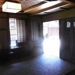 十月亭 - 玄関内部