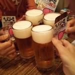 魚三酒場 - 生ビール小460円で乾杯(へパは持参品)