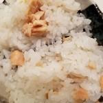 丸亀 - 鮭ご飯に具の鮭