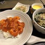 東天閣 - レディースセット(エビチリ丼) 920円