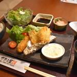 厚岸水産 かき小屋 - カキフライ定食