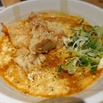 本町製麺所 天 - 完熟トマトのチーズカレーうどん