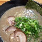 ラーメンきいち - コッテリ骨粉!
