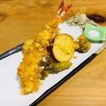 手打ちそば ふしみ - 天ぷら盛り合わせ。