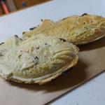 仲屋たいやき店 - 料理写真:外房産天然真鯛(130円)