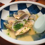 魚がし鮨 - 大アサリ酒蒸し