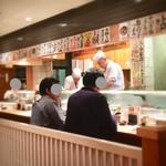 魚がし鮨 - カウンター席