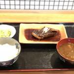 担ぎ屋 - さわらの西京焼き定食
