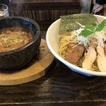 80454791 - つけ麺大盛り  石鍋のつけ汁
