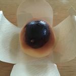 菓匠かとう - 料理写真:白あんの中に栗