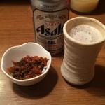 麺通 - 缶ビール 400円 辛し高菜(サービス)