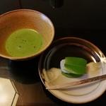 菊乃井 - 椿餅