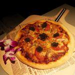 80457657 - 鶏とトリュフのピザ