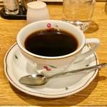 喫茶サンチョ - モーニングセットのドリンクは450円のコーヒーや紅茶、ミルクと組み合わせられる。実質0円からモーニングがいただける。
