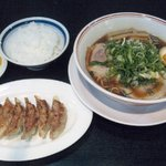 ラーメン 將陽 - 料理写真:餃子セット (ラーメン+手作り餃子+ご飯) 860円