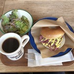 80463118 - Bagel Sandwich(Pastrami Beef & Double Cheese)とAmericano♪