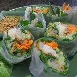 アジアンキッチン サワディー - ヴェトナム風生春巻は前菜にうってつけ。