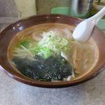 あうん - 料理写真:塩ラーメン(600円)