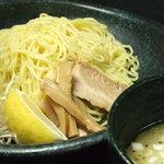 よってこや - 選べる「つけめん」細麺・太麺・黒ダレ・赤ダレ