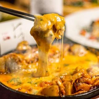 話題の美食グルメ!!チーズタッカルビが大人気!!