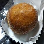 オレノパン - 料理写真:名前で買ってしまった「揚げ玉ボンバー」(168円)。