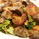 ブラッスリー ロノマトペ - 鴨砂肝のコンフィ、じゃがいも、クルミのサラダ