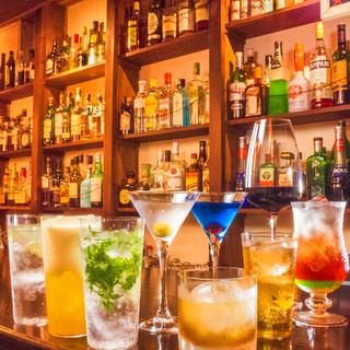 今夜を共にする一杯を、バーならではの多彩なドリンクから。