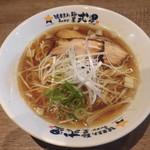 濃厚煮干しラーメン 麺屋 弍星 - あっさり煮干しラーメン(細麺) 730円