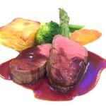 フルーツパーク富士屋ホテル - 料理写真:お肉