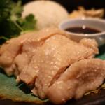 PhraArthit - 茹でた鶏もも肉アップ